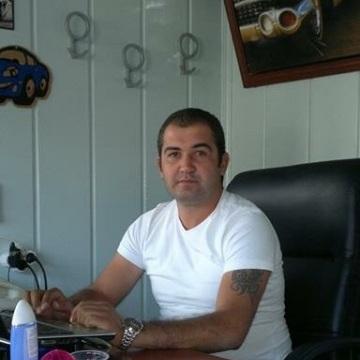 Taner, 36, Manisa, Turkey