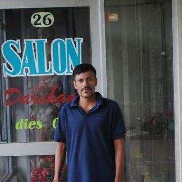 janaka, 50, Gampaha, Sri Lanka