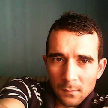 Sezer Özçaylak, 36, Istanbul, Turkey