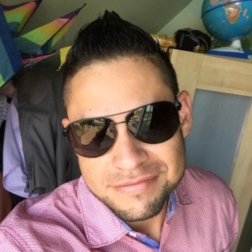 Miguel, 30, Los Angeles, United States