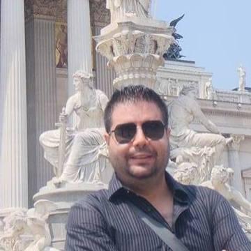 Luis Navarro, 33, Queretaro, Mexico