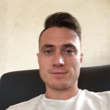 Simon, 30, Kampala, Uganda