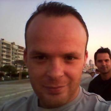 Uğur Kılıç, 32, Izmir, Turkey