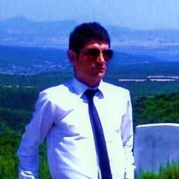 Hüseyin Yüksel, 38, Istanbul, Turkey