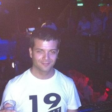 Miguel Trincado, 35, Santiago, Chile