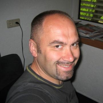 Mark, 43, Frankfurt am Main, Germany