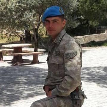 Şamil Döker, 28, Izmir, Turkey