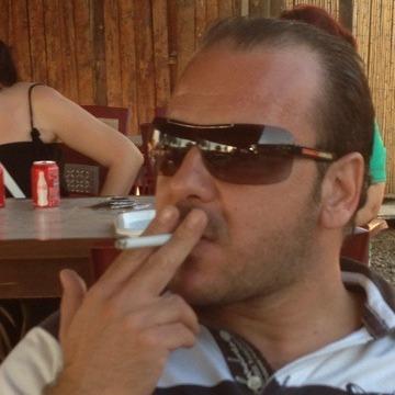 Sezgin Yenisoy, 42, Izmir, Turkey