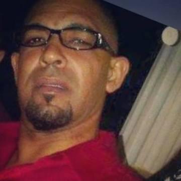 Nelson Peña, 41, Santiago, Dominican Republic