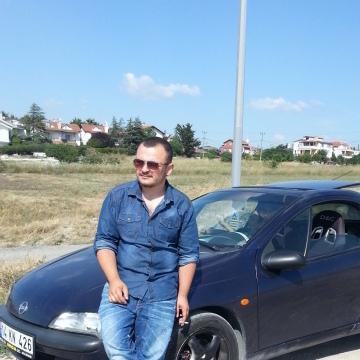 efecan, 25, Istanbul, Turkey