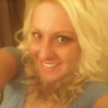 Valerie Mowrey, 28, Toledo, United States