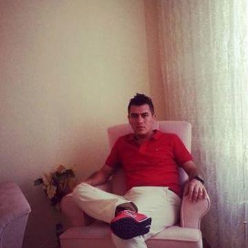 Serkan Sarıkaya, 32, Eskisehir, Turkey