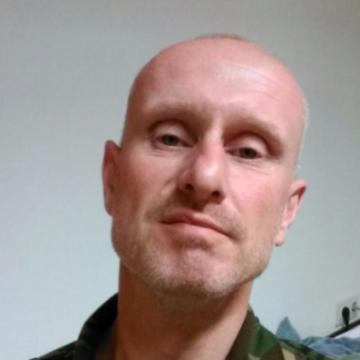 evans fiddler, 32, Torrance, United States