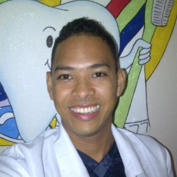 Esteban Camdbrige, 29, Barranquilla, Colombia