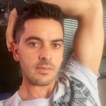 Luis Vieira, 31, Roquefort-la-bedoule, France