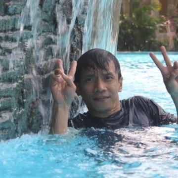 Husnul Bahrispd, 41, Lombok, Indonesia