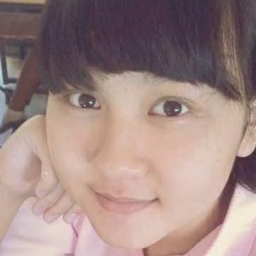 Kanlayanee, 20, Bangkok Yai, Thailand