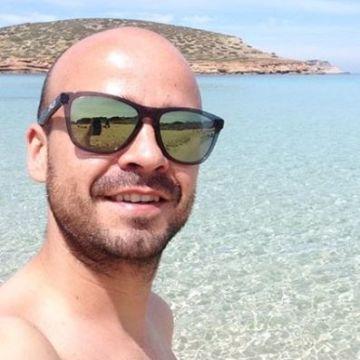 Victor Gómez, 32, Madrid, Spain