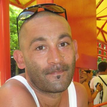 Roberto, 41, Genova, Italy