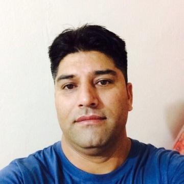 Mujeeb, 29, Dubai, United Arab Emirates