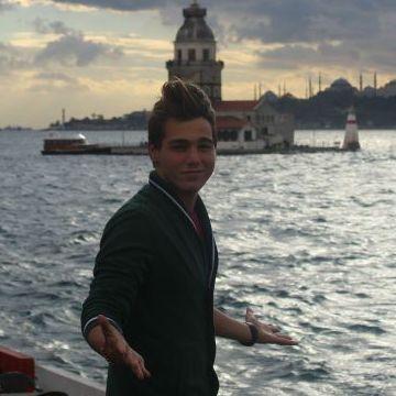 berke, 20, Istanbul, Turkey