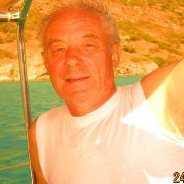 Andrew Moore, 66, Cairns, Australia