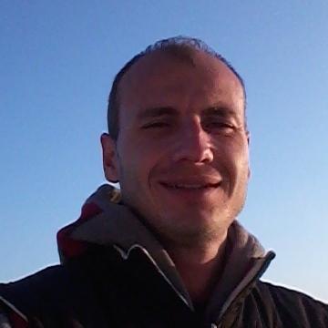 cengiz, 31, Istanbul, Turkey