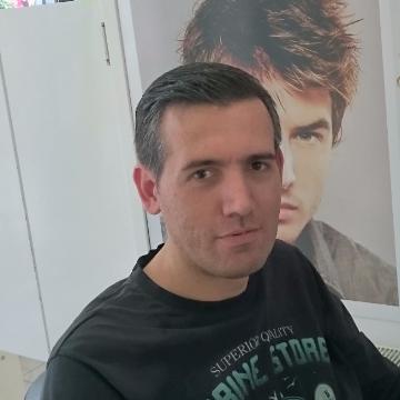 Erhan Güneş, 38, Bursa, Turkey
