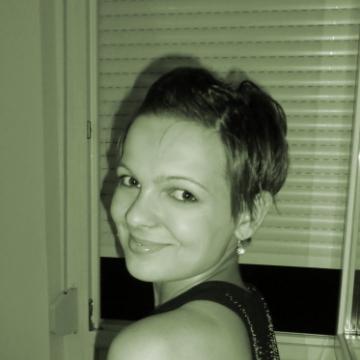 Alexandra, 26,