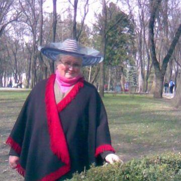 Elena Ciobanu, 75, Piatra Neamt, Romania