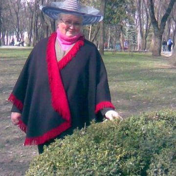 Elena Ciobanu, 74, Piatra Neamt, Romania