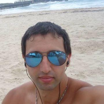 Martincho Villenueve, 29, Villa Urquiza, Argentina