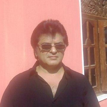 Naresh  Motiani, 38, Colombo, Sri Lanka