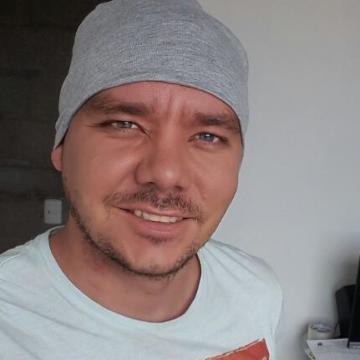 Carlos Peña, 34, Medellin, Colombia