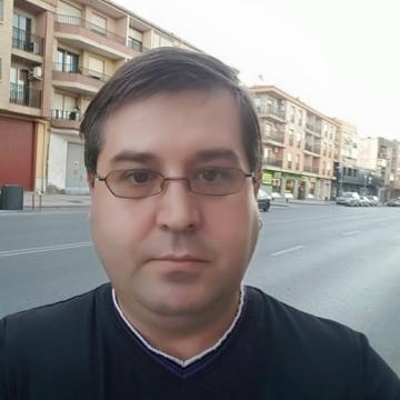 Maike Rosell Valenzuela, 42, Granada, Spain