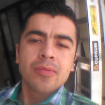 César Flores, 30, Pachuca, Mexico