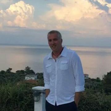 Oytun Tan, 43, Istanbul, Turkey