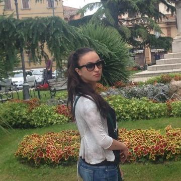 Elena, 25, Istanbul, Turkey