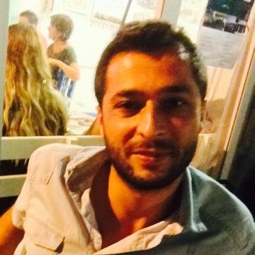 Zekeriya Şimşek, 35, Istanbul, Turkey