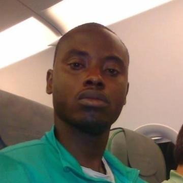 CHIGOZIE, 40, Dakar, Senegal