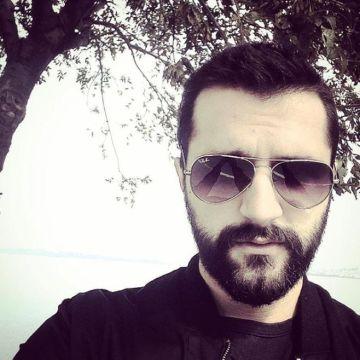 Yengi Simsek, 26, Istanbul, Turkey