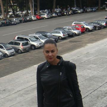 Anna, 49, Donetsk, Ukraine