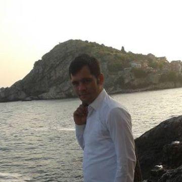 Mustafa Duman, 30, Istanbul, Turkey