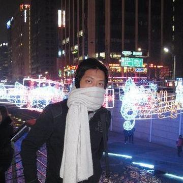 Budi Liu, 35, Solo, Indonesia