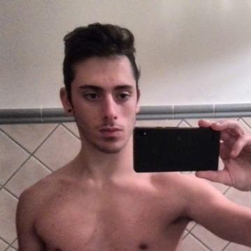 Daniel, 23, Palermo, Italy