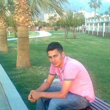 İbrahim Erdem, 28, Istanbul, Turkey