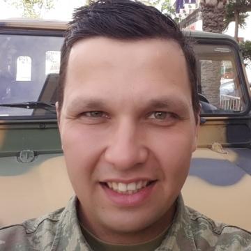 Erkan Başoğlu, 27, Izmir, Turkey
