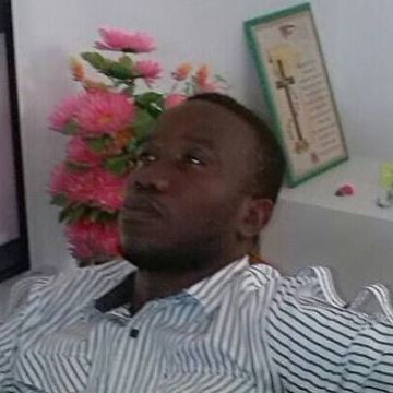 Onesphory Kamugisha, 26, Dar Es Salam, Tanzania