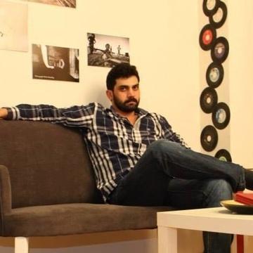 Cemşeddin Yılmaz, 30, Istanbul, Turkey