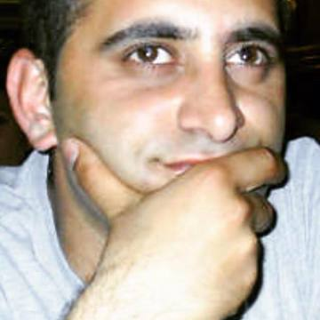 Bekir Akderi, 38, Istanbul, Turkey